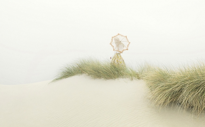 Andric | Parasol and grass